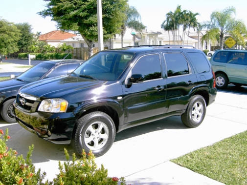 Blue Mazda Tribute 2004