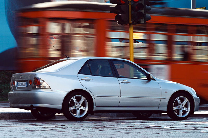 Lexus IS 200 2002 Photo - 1