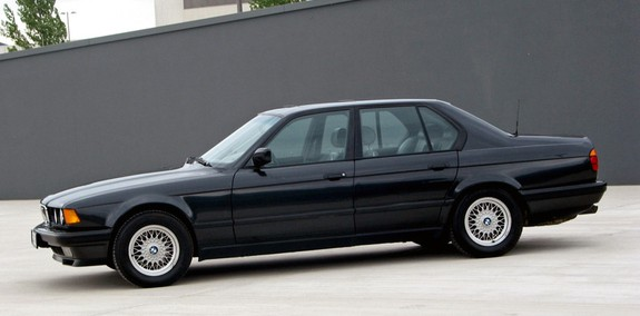 BMW 7-series 1992 Photo - 1
