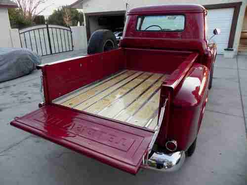 Chevrolet Apache 1950 Photo - 1