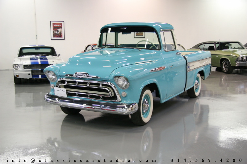 Chevrolet Apache 1957 Photo - 1