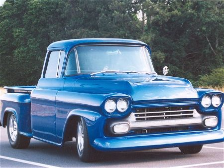 Chevrolet Apache 2000 Photo - 1