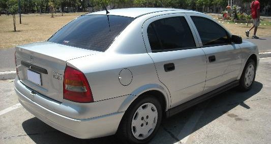 Chevrolet Astra 2000 Photo - 1