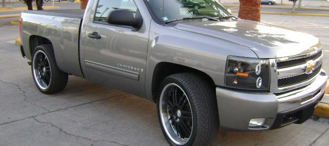 Chevrolet Cheyenne 2012 Photo - 1