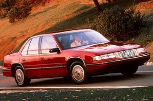 Chevrolet Lumina 1990 Photo - 1