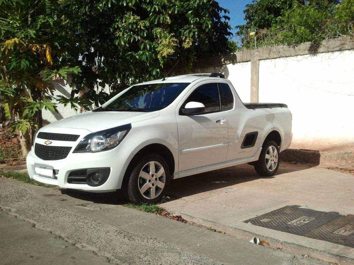 Chevrolet Montana 2013 Review Amazing Pictures And