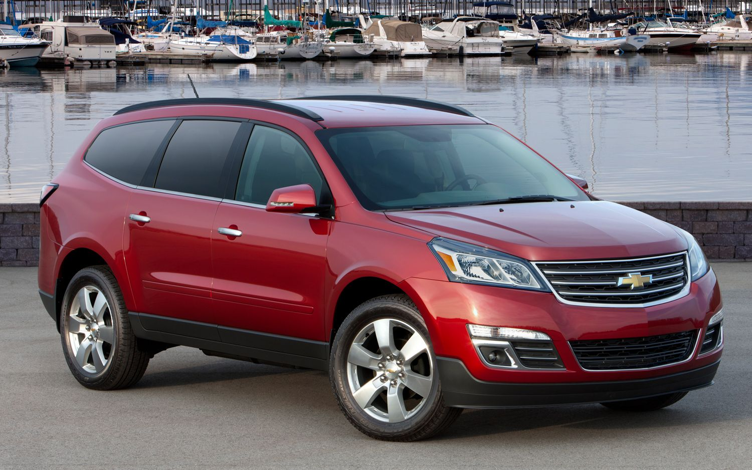 Chevrolet SUV 2013 Photo - 1