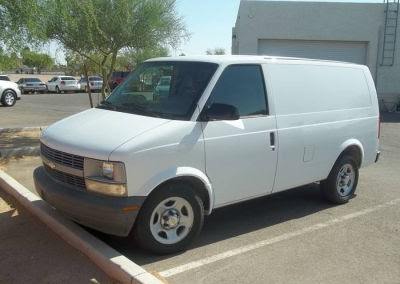 Chevrolet Van 2004 Photo - 1