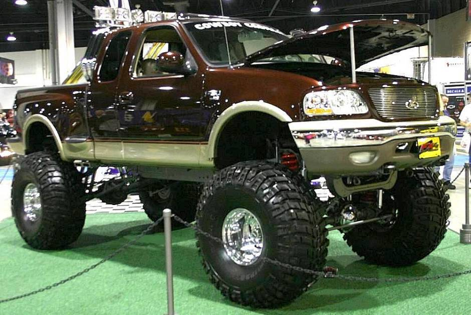Ford 4x4 2005 Photo - 1