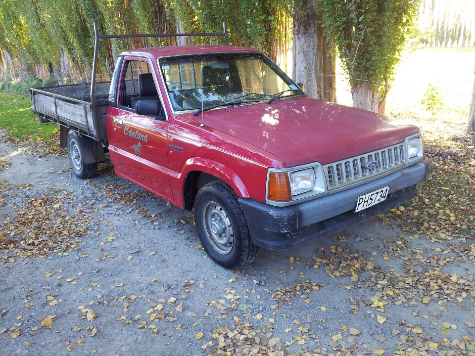 Ford Courier 1990 Photo - 1