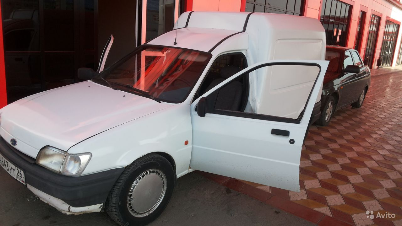 Ford Courier 1993 Photo - 1