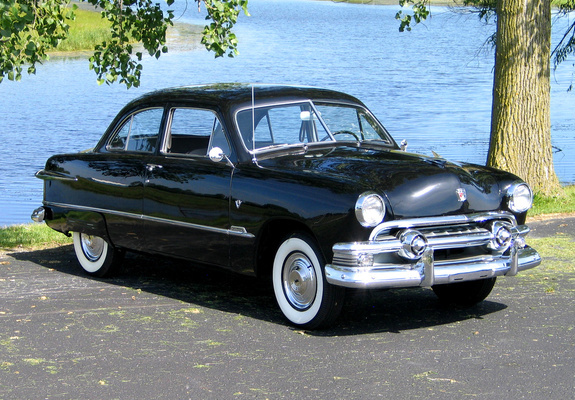 Ford Custom 1951 Photo - 1