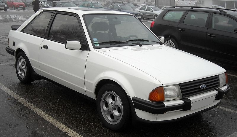 Ford Escort 1984 Photo - 1