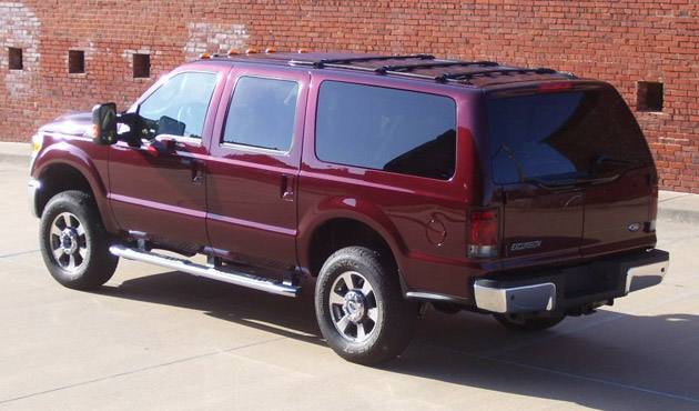 Ford Excursion 2012 Photo - 1