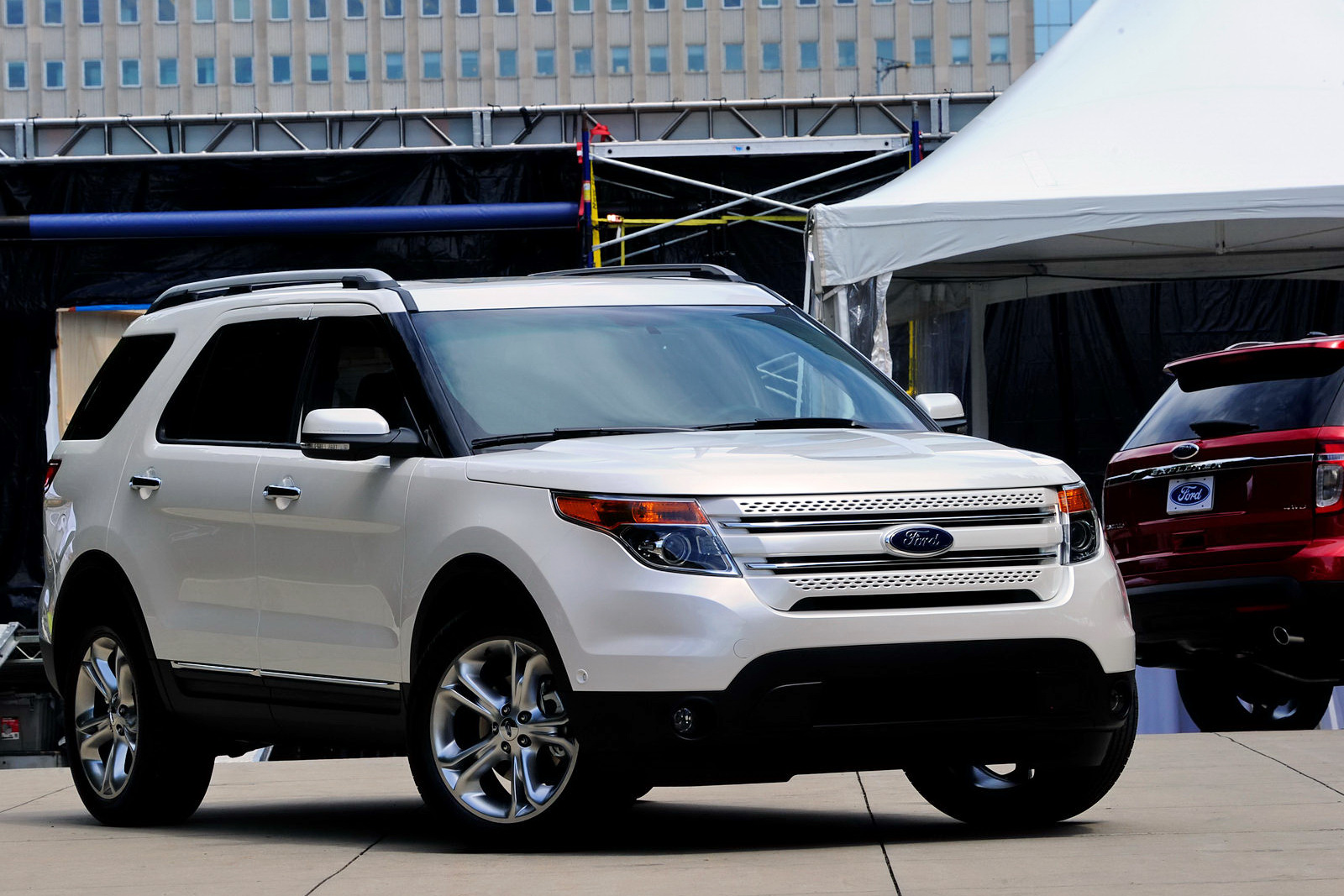Ford Explorer 2011 Photo - 1