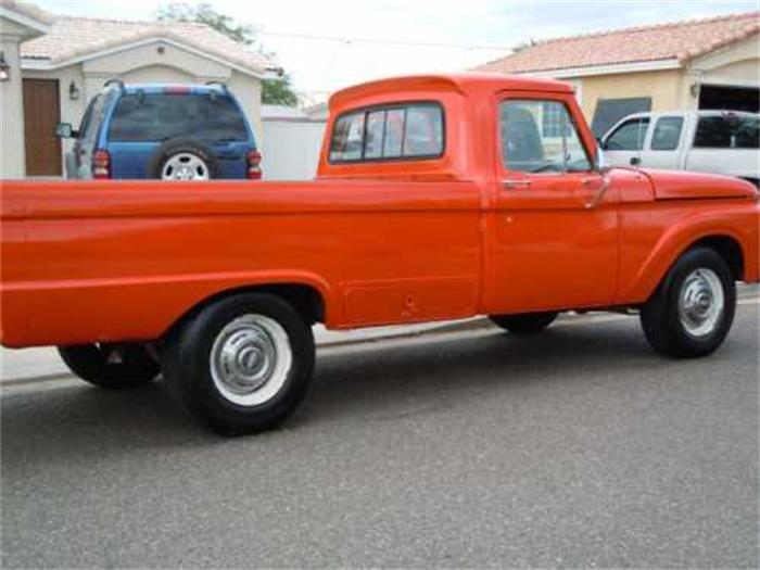 Ford F-250 1965 Photo - 1