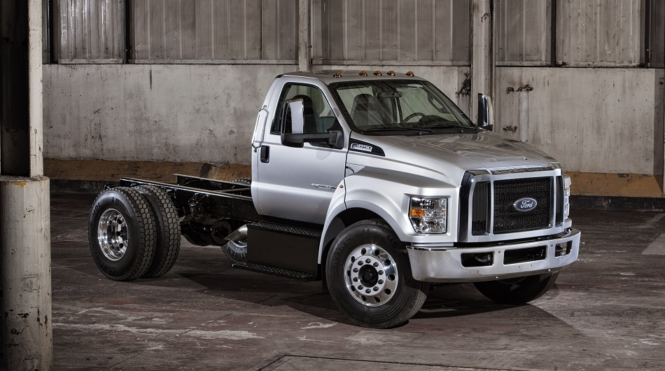 Ford F-650 2015 Photo - 1