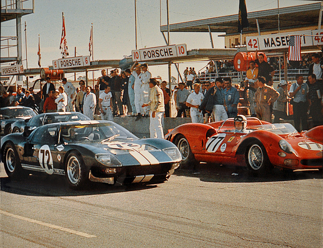 Ford GT40 1965 Photo - 1