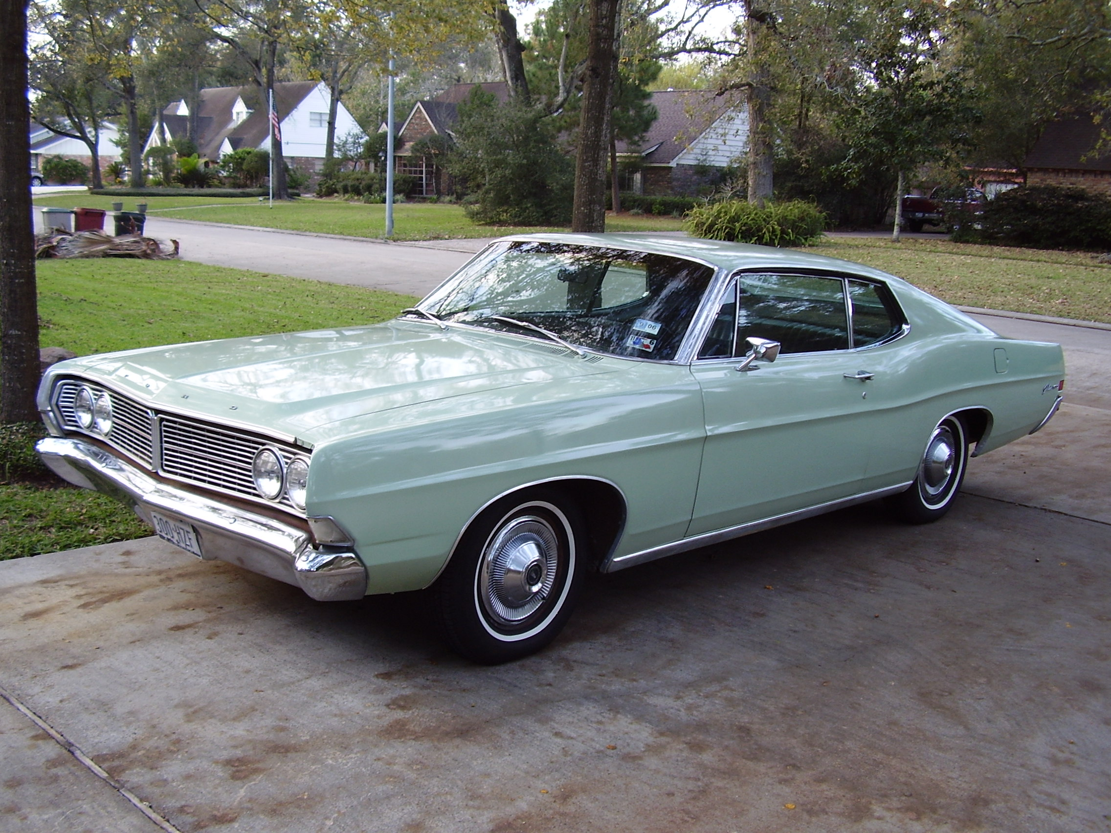 Ford Galaxie 1968 Photo - 1