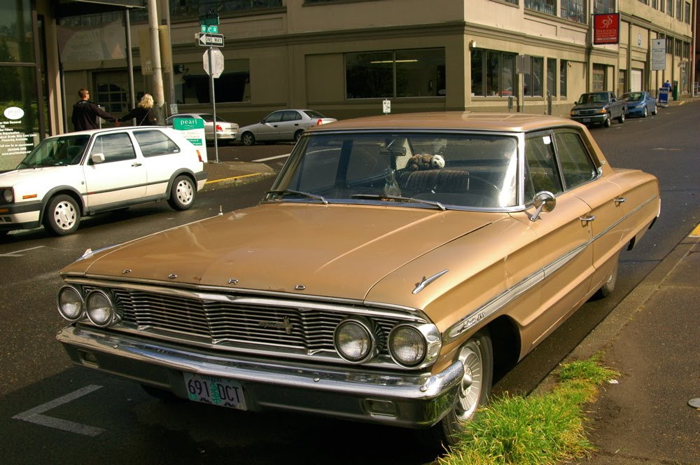 Ford Galaxy 1972 Photo - 1