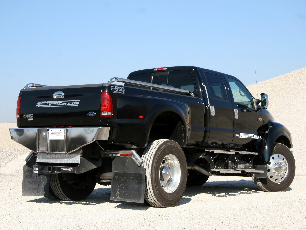 Ford K 2000 Photo - 1