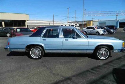 Ford LTD 1981 Photo - 1