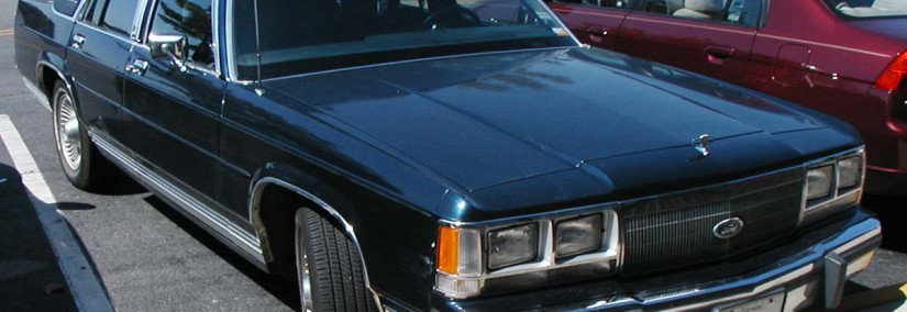 Ford LTD 1987 Photo - 1