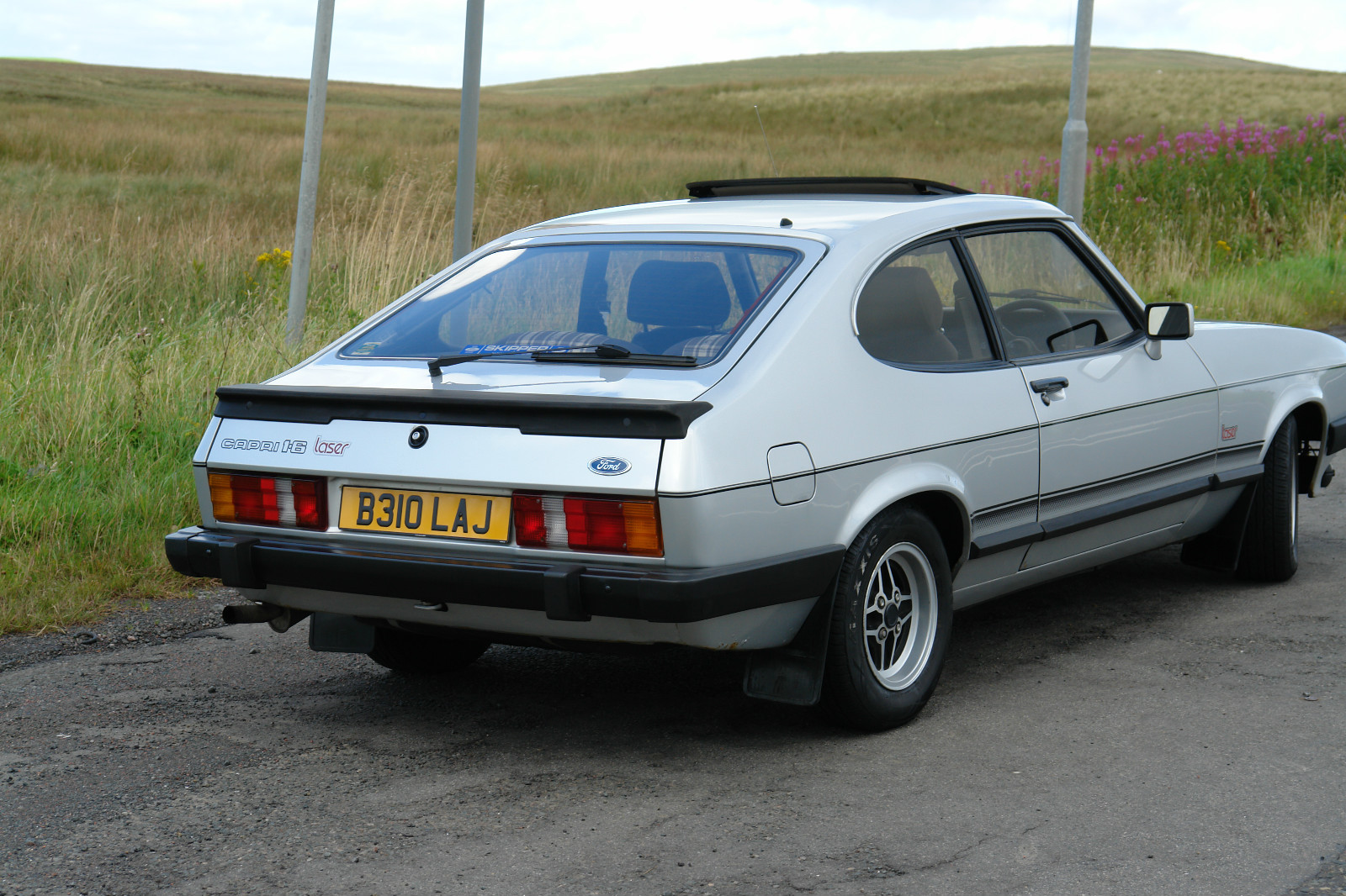 Ford Laser 1984 Photo - 1