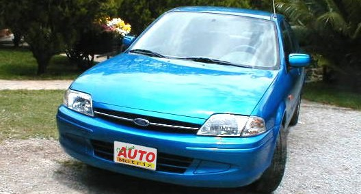 Ford Laser 2000 Photo - 1