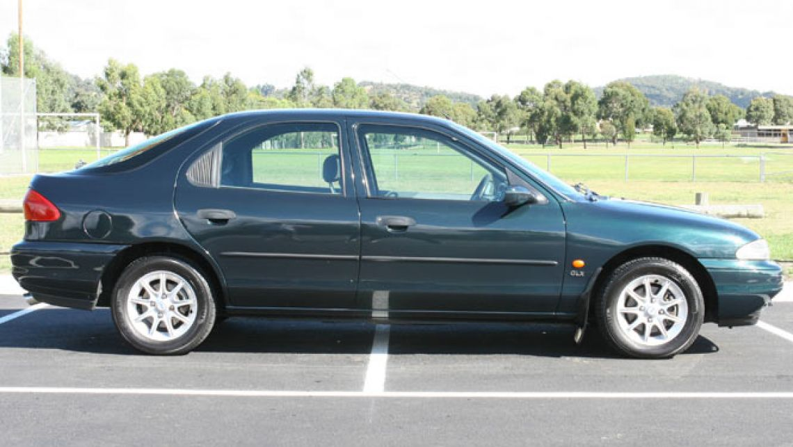 Ford Mondeo 1995 Photo - 1