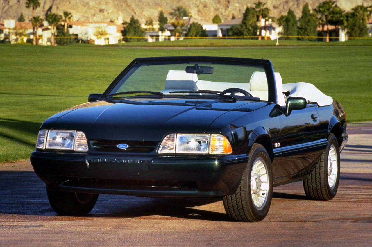 Ford Mustang 1990 Photo - 1