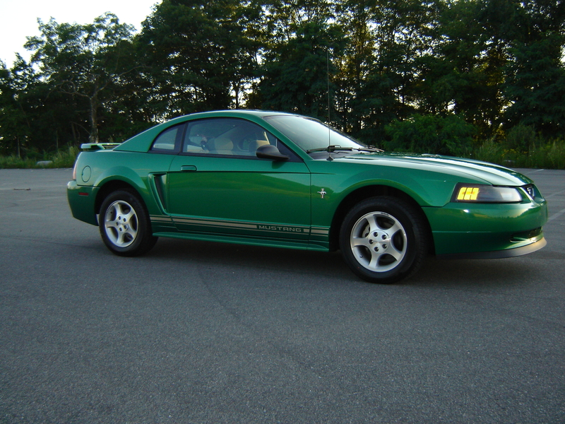 Ford Mustang 2001 Photo - 1