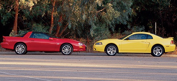 Ford Mustang 2002 Photo - 1