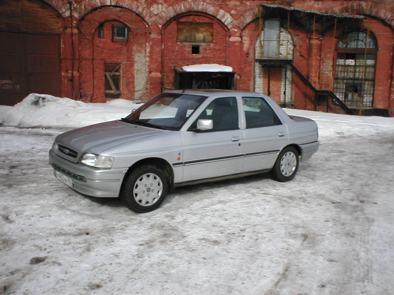 Ford Orion 1983 Photo - 1