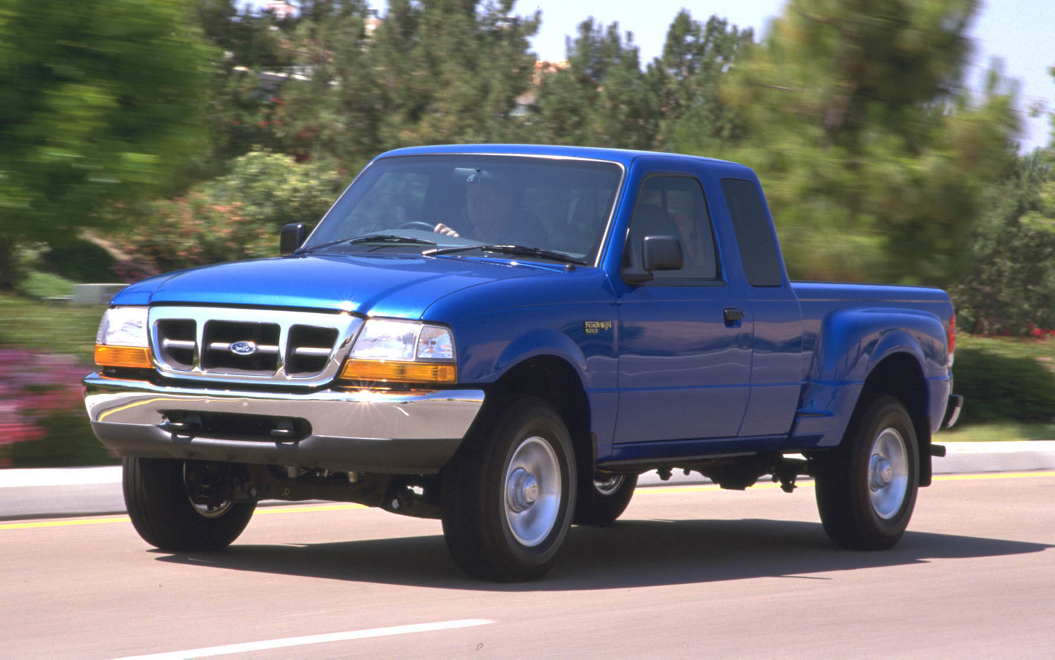 Ford Pickup 2000 Photo - 1