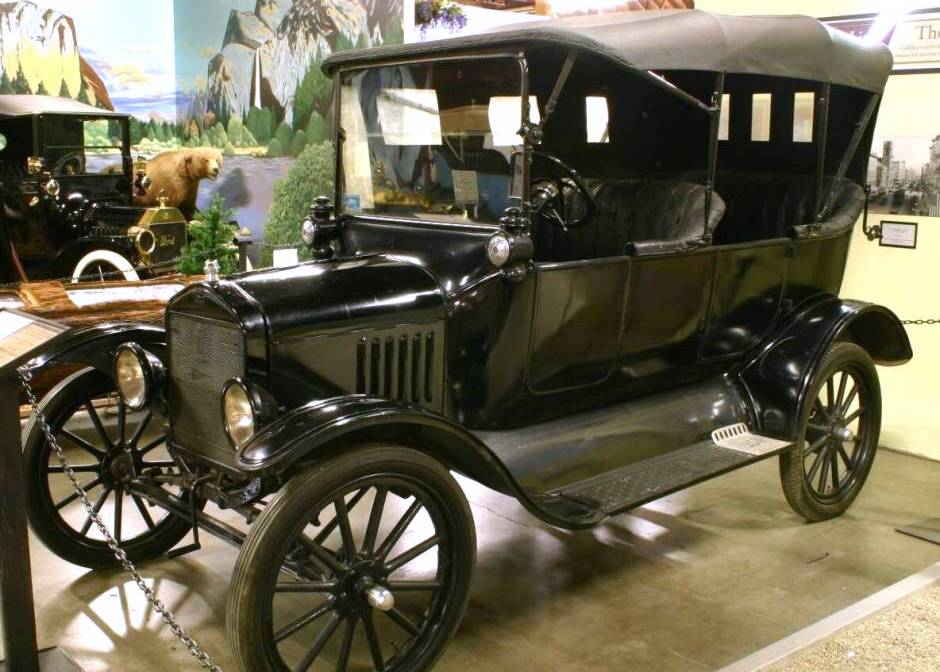 Ford T 1917 Photo - 1