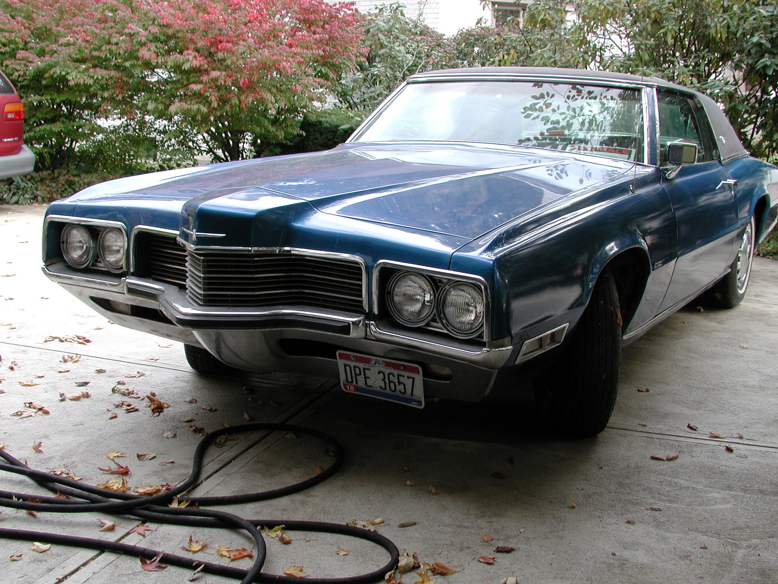 Ford Thunderbird 1971 Photo - 1