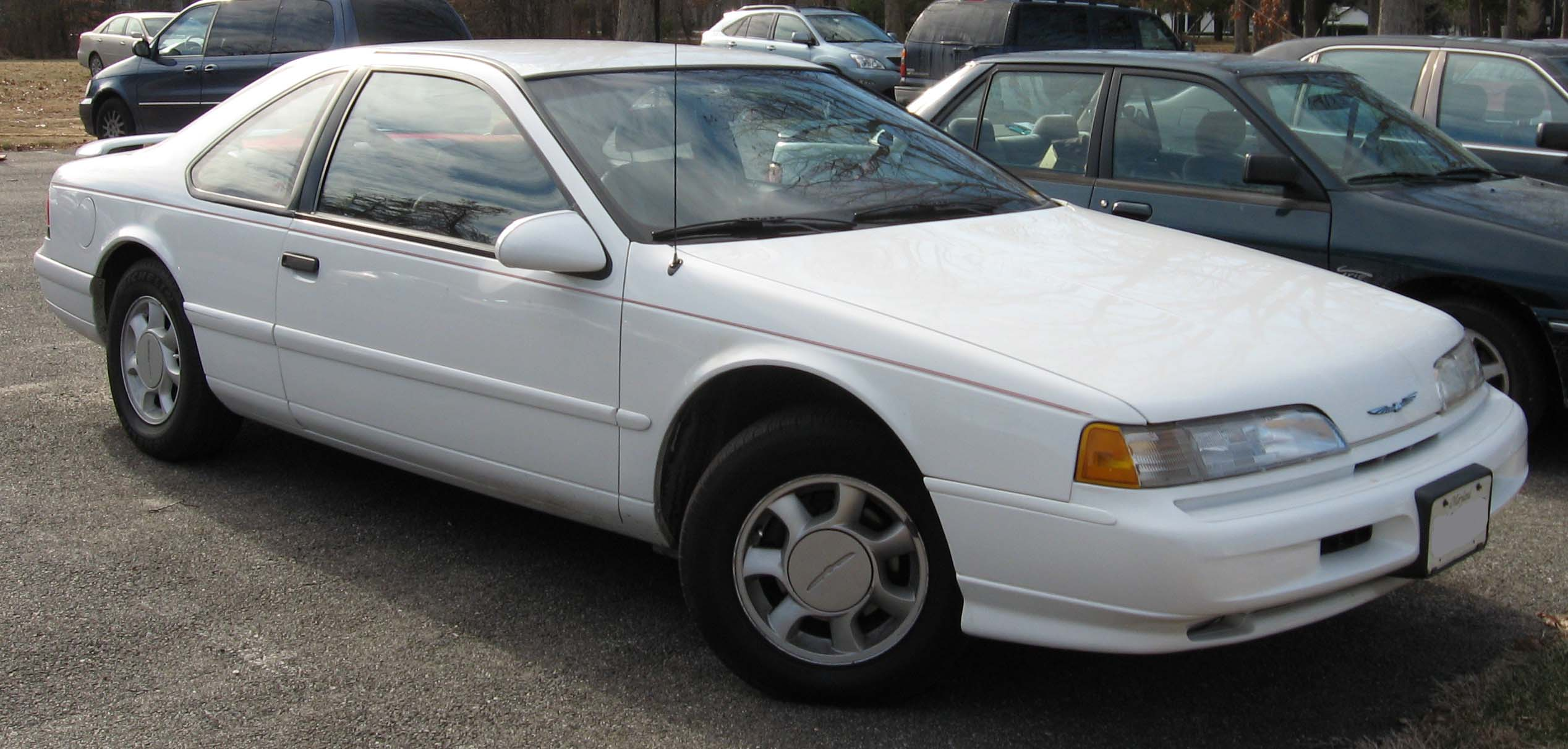 Ford Thunderbird 1989 Photo - 1