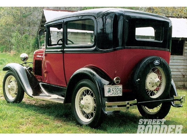 Ford Tudor 1931 Photo - 1
