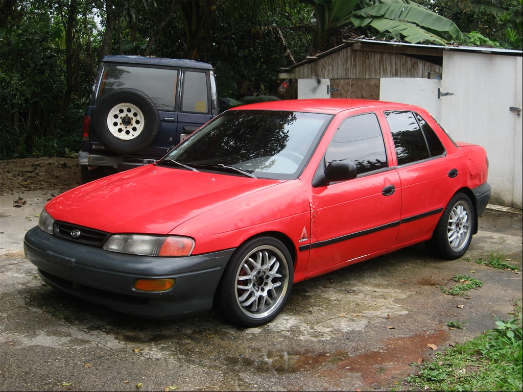 Kia Sephia 1996 Photo - 1