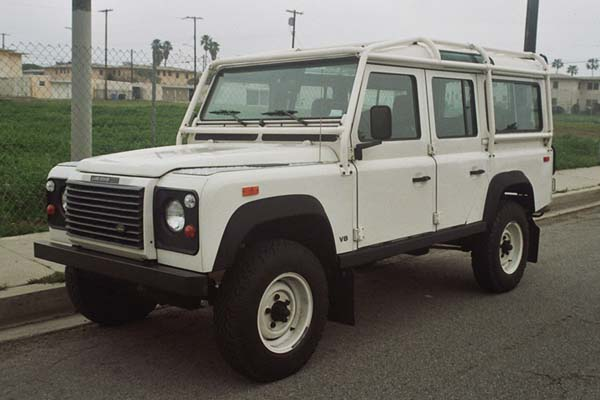 Land Rover Defender 1996 Photo - 1
