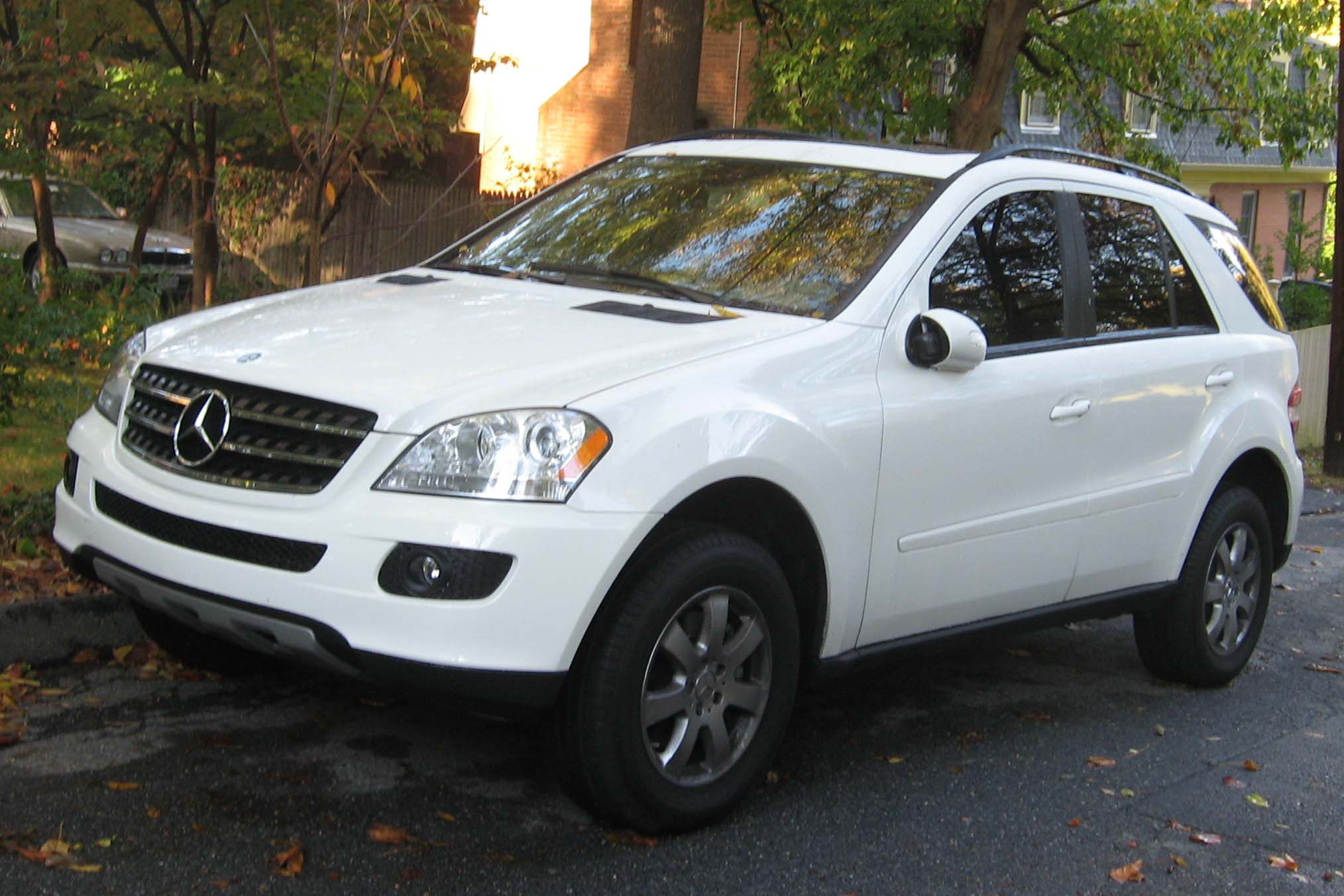 Image gallery 2007 mercedes benz ml350 for 2007 mercedes benz suv