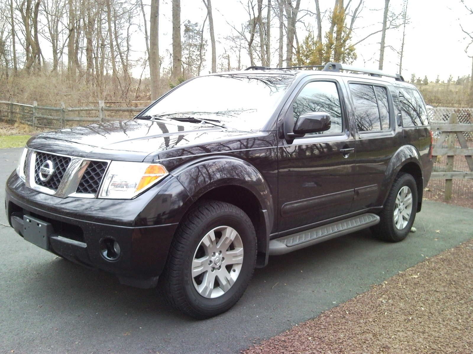 Nissan Pathfinder 2005 Photo - 1