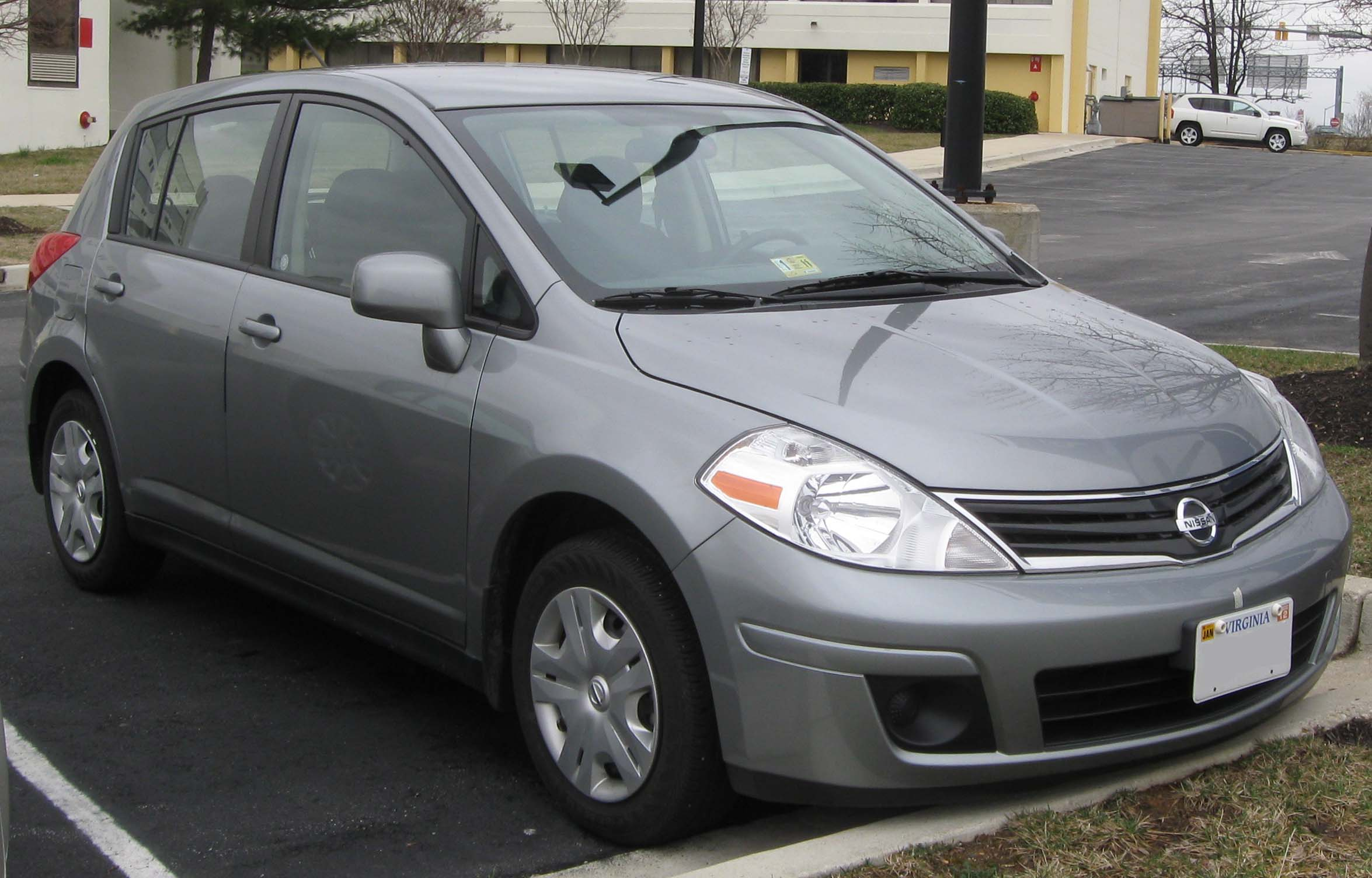 Nissan versa 2010 review amazing pictures and images look at the car