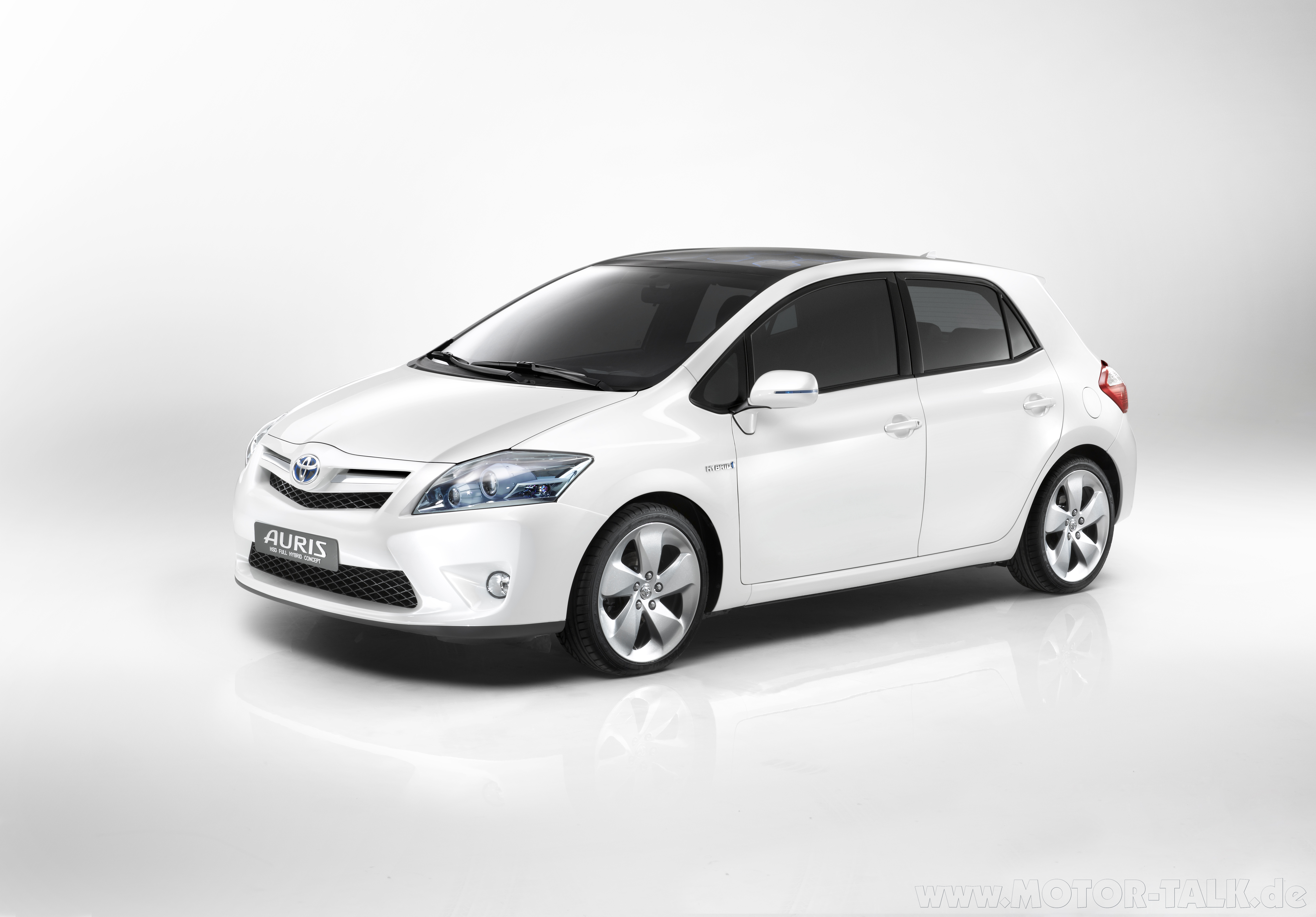 Toyota Auris 2001 Photo - 1