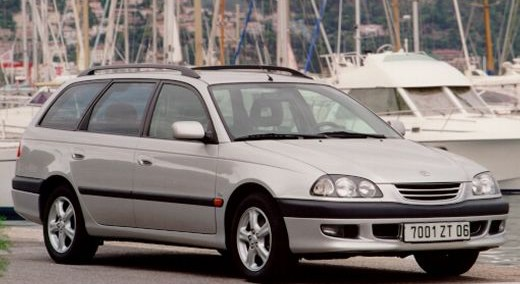 Toyota Avensis 1999 Photo - 1