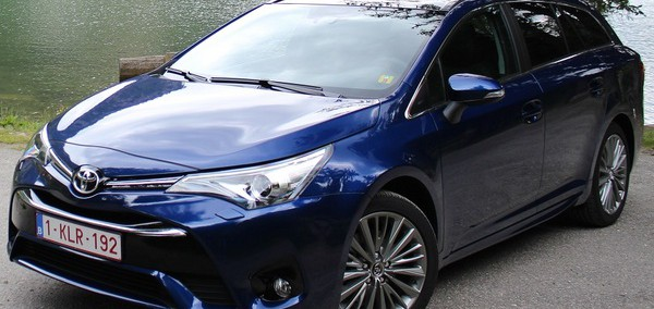 Toyota Avensis Wagon 2009 Photo - 1