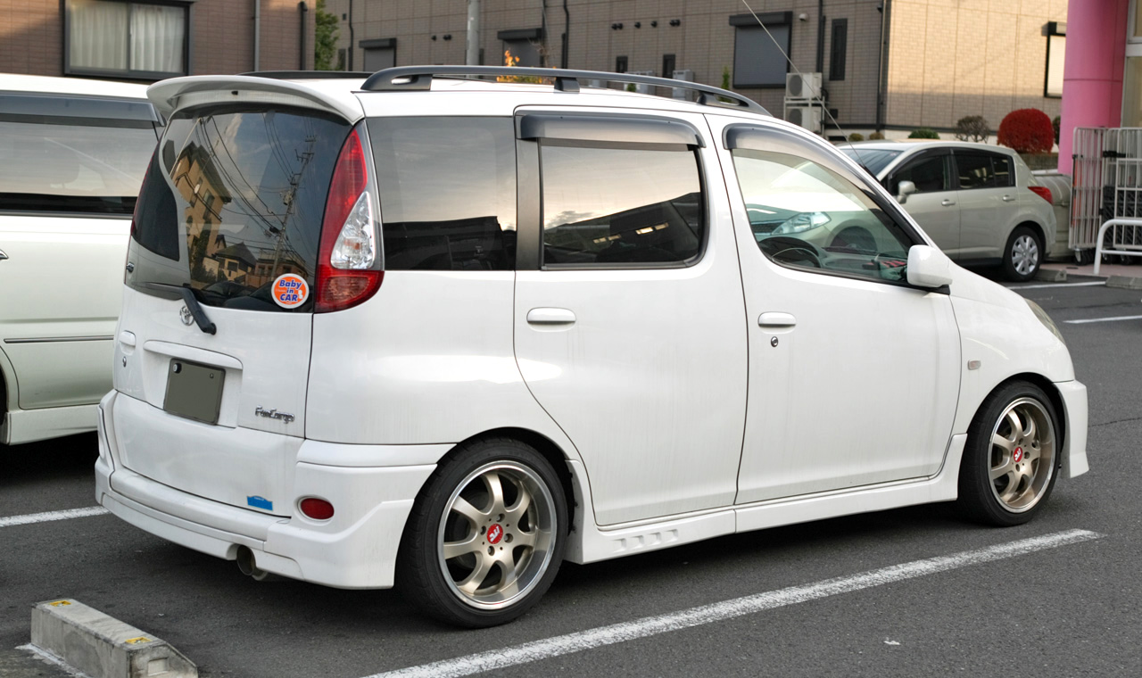 Toyota Funcargo 2003 Photo - 1