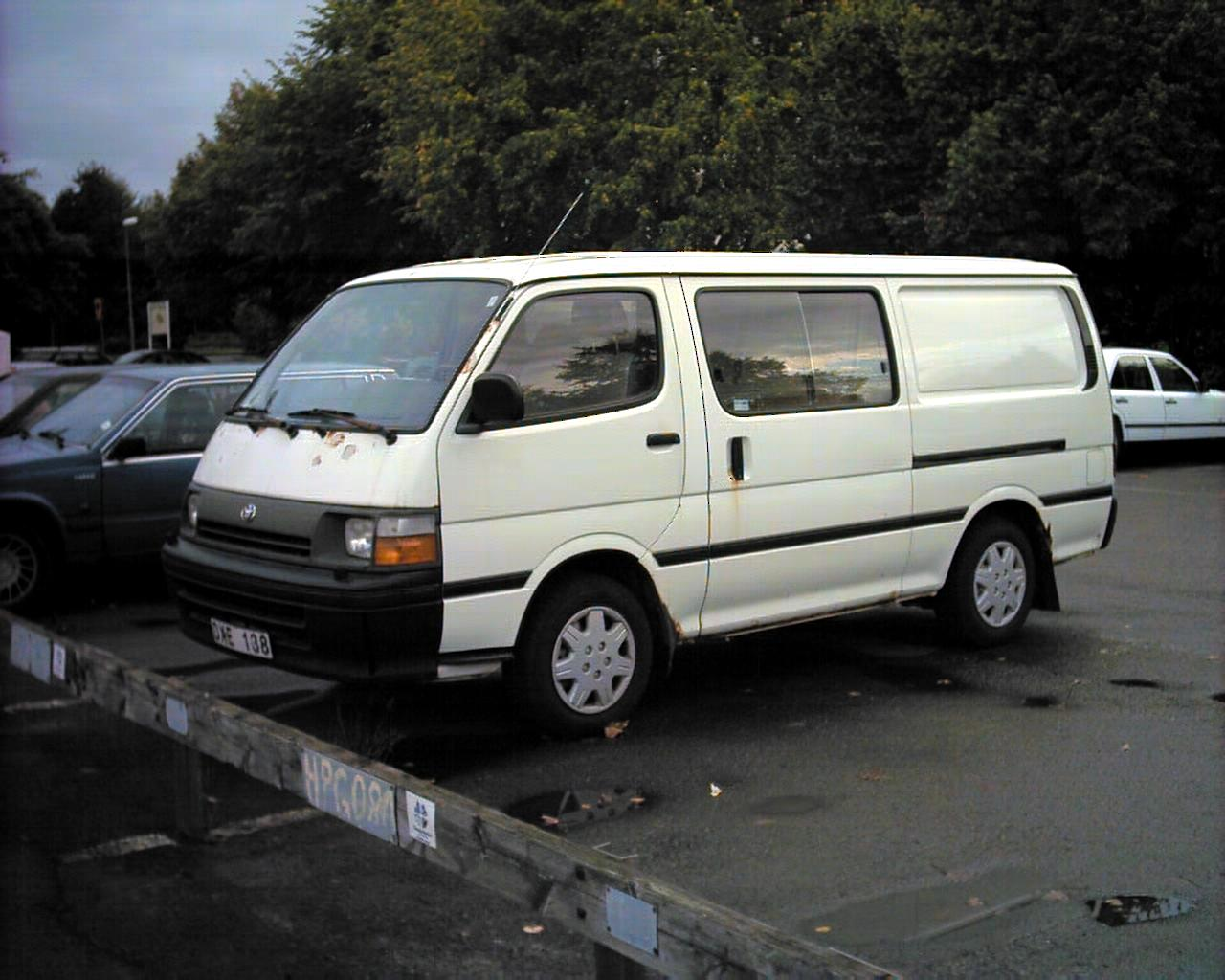 Toyota Hiace 1995 Photo - 1