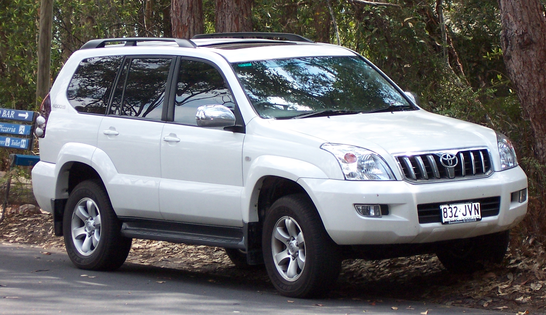 Toyota Land Cruiser 2003 Photo - 1